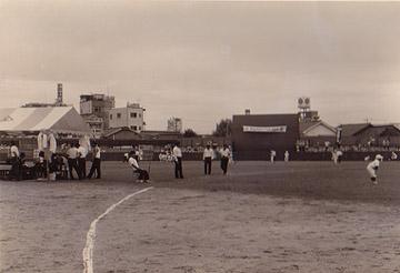 体育文化館の位置にあった佐世保野球場